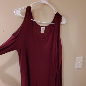 Faded glory size L Red top w/shoulder cut out